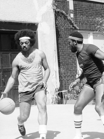 Photo by Ozier Muhammad-Marvin Gaye and Jessie Jackson 1976